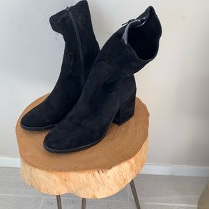 Charles David black suede boots